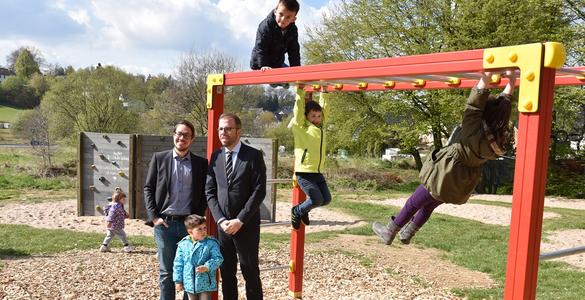 Klettergerüst Für Kleinkinder : Bewegung für waldbröls kinder: waldbröler bürger stiften mit hilfe